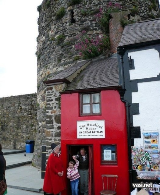 Smallest House In Great Britain - Wales