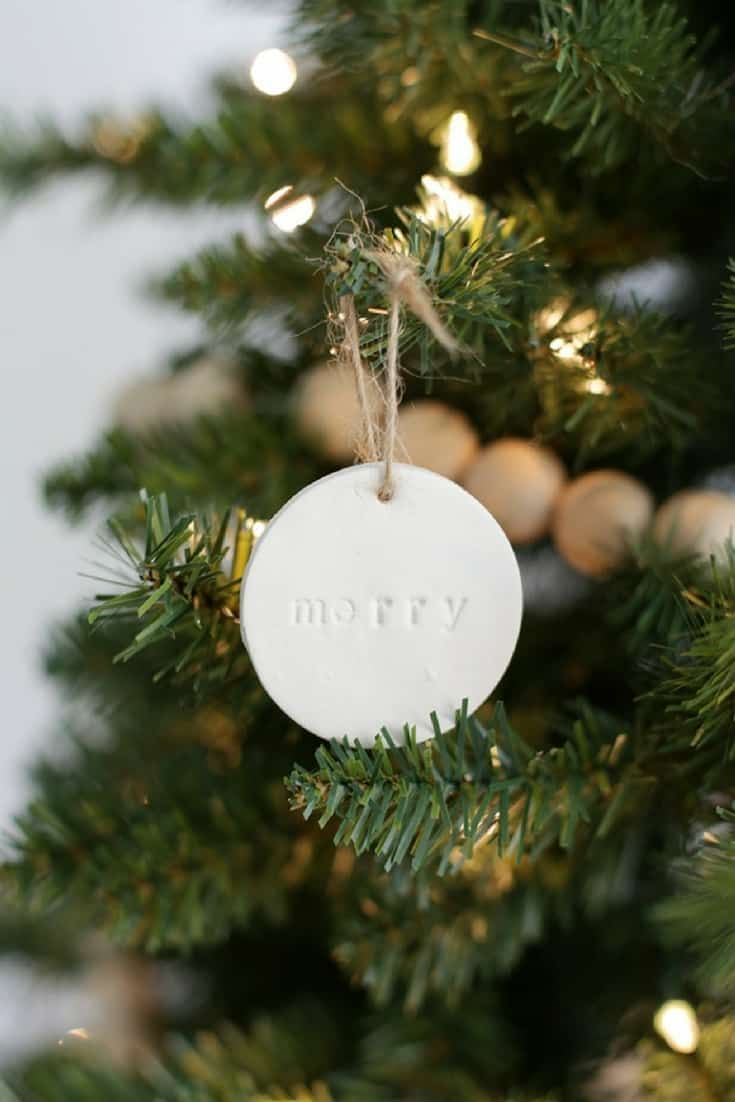 10 Affordable Diy Christmas Tree Decorations Diy Christmas Garland Christmas Tree Decorations Diy Diy Christmas Tree