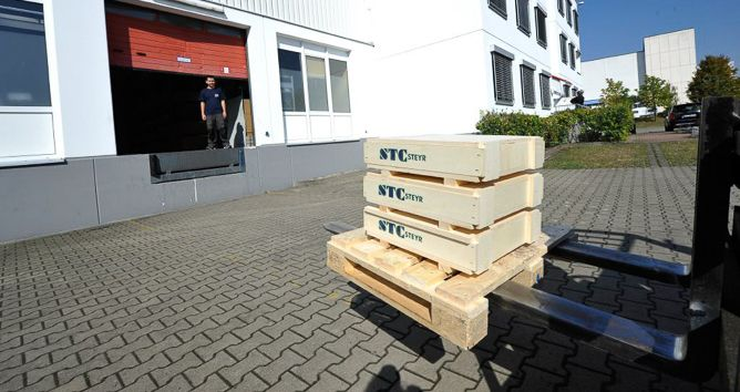 STC-Steyr® is an international manufacturer of rolling bearings and accessories and has been manufacturing rolling bearings in series production in the traditional industrial location of Steyr, Austria, since 1922.