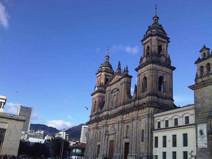 Catedral Bogotá, Plaza Bolivar