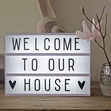 This quirky retro lightbox is definitely our new favourite toy - hours of fun and entertainment can be had with this little gem! Create you own quotes anytime, anyday with this cool message board which lights up. Whethere you want to share your thoughts, mood or leave someone a special message, the list is endless! Battery operated so there's no unsightly wires to think about - just takes 6 1.5V AA batteries (not included). Can also be hung on the wall A4 in size, so perfect for a…