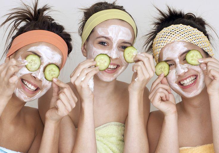 Spa em casa: aprenda a fazer 3 máscaras faciais para renovar a pele