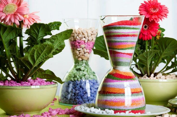 Create your own beautiful table centrepiece by mixing coloured sands fitting to the colours of your interior or of your table. https://www.youtube.com/watch?v=4NpAIGoU1_g