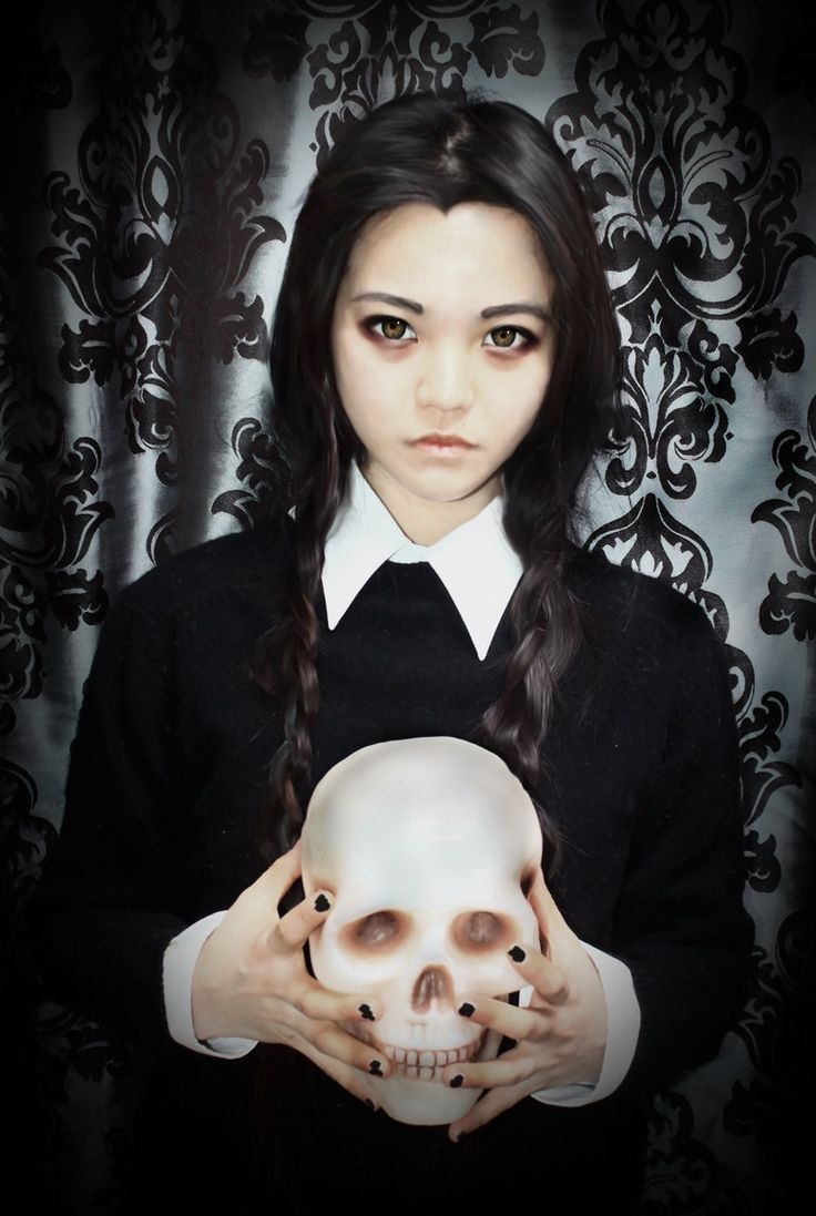 ★ #CosplayStyle: TOO ★ Wednesday Addams
