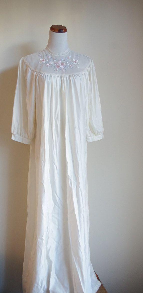 Vintage Nightogown Elfenbein Nachthemd Spitzen Nachthemd
