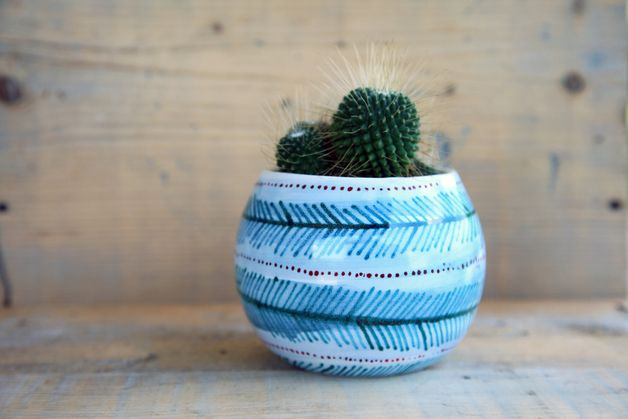 Handmade vase in ceramic ideal for your indoor garden, planter pot made in Italy by Bottega Krua. Green, red and white hand painted pot for home decor, modern, garden plant accessory - a unique product via en.dawanda.com