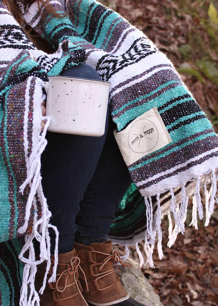 Weekend adventure. Bring along a falsa blanket to stay extra warm out there. // Lago Falsa Blanket by Mntn & Moon