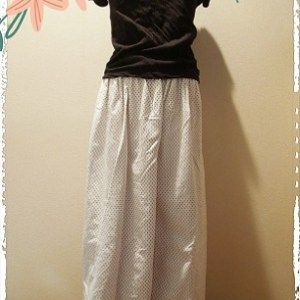 キュロットスカートのように、たっぷりボリューミーなガウチョパンツを作ってみました。 型紙なしでフ…