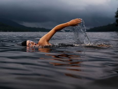I'm not crying, it's just the ocean water. Maybe. - 53 Thoughts You Have During Your First Open Water Swim | ACTIVE