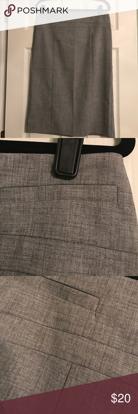 Gray New York and Co pencil skirt size 10 New York and Co gray pencil skirt in size 10! Never worn and in excellent condition! No stains or holes and comes from a smoke free home! New York & Company Skirts Pencil