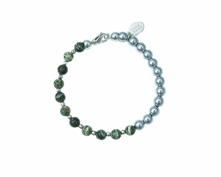 With its refined line the bracelet Silver Serpentine offers a timeless and versatile style. The beautiful green semi precious stone Serpentine goes perfectly with the intense silver color of  Hematite Silver. This bracelet is simply perfect for any occasion.