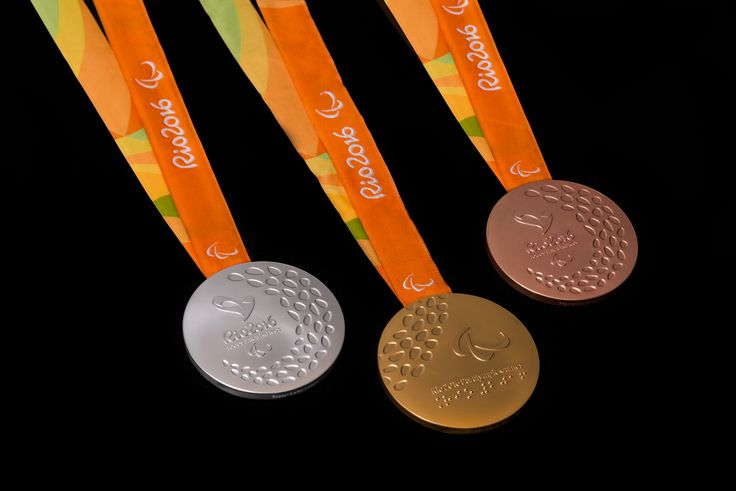 Braille, guizos e beleza exuberante: medalhas da Paralimpíada inovam #globoesporte