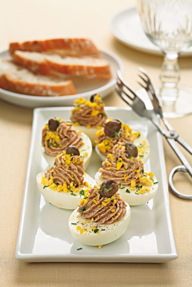 Scopri come preparare le uova ripiene con il tonno, la ricetta di un antipasto sfizioso e facile da realizzare, perfetto da servire in ogni occasione.