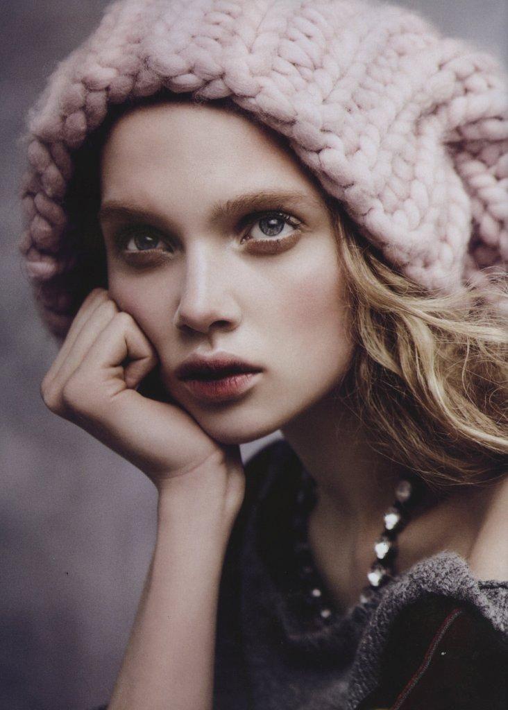 """Vogue Austrália Agosto 2013   Holly Rose Emery em """"Wild Rose"""" por Nicole Bentley [Editorial]"""