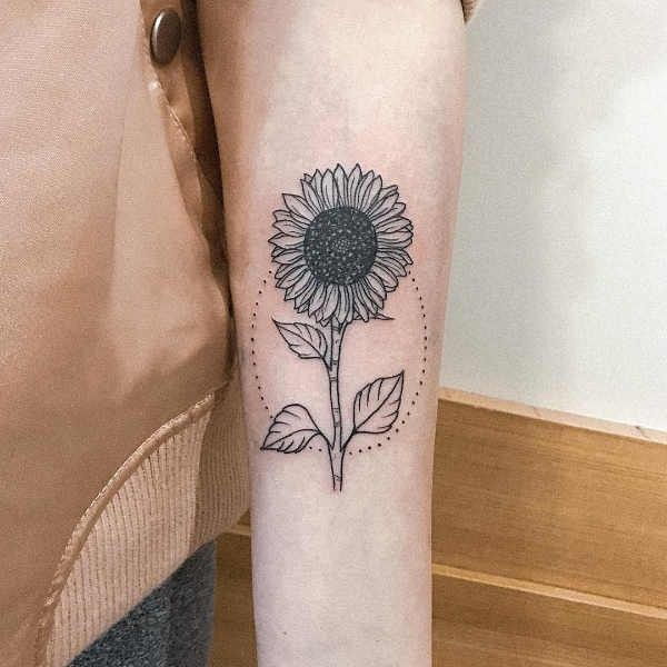 Zonnebloem Tattoos Betekenis En 60 Tattoo Inspiratie