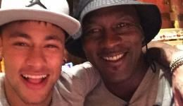 Barcelona Star Neymar Takes Selfie with NBA Legend Michael Jordan