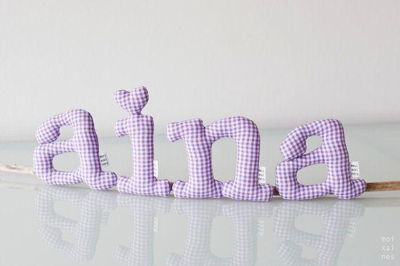 Letras cuadrados lila  Son blandas y perfectas para por Moixaines, $20.00