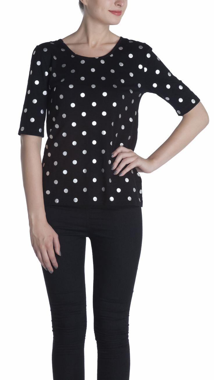 Regular fit, polka dot foil print tee with elbow length sleeve