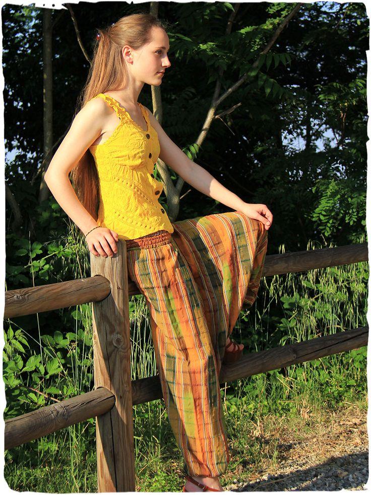 Pantaloni Olgado Ampio #pantalone con elastico in cintura. #modaetnica #ethnicalfashion #lamamita #moda #fashion #italianfashion #style #italianstyle #modaitaliana #lamamitafashion #moda2016 #fashion2016 #pantaloni #spring #springfashion #summerfashion #trousers #ethnictrousers