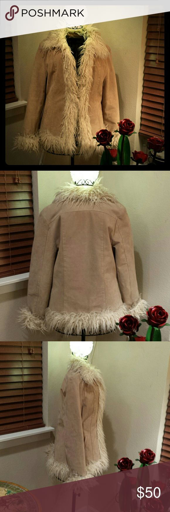 Vintage Leather Jacket Groovy tan leather jacket with faux fur trim . Fully lined, warm and cozy. Dunne & Cole Jackets & Coats