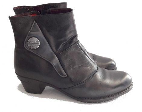 Je viens de mettre en vente cet article  : Bottines & low boots à talons Dorking 39,90 € http://www.videdressing.com/bottines-low-boots-a-talons/dorking/p-6385736.html?utm_source=pinterest&utm_medium=pinterest_share&utm_campaign=FR_Femme_Chaussures_Bottines+%26+low+boots_6385736_pinterest_share