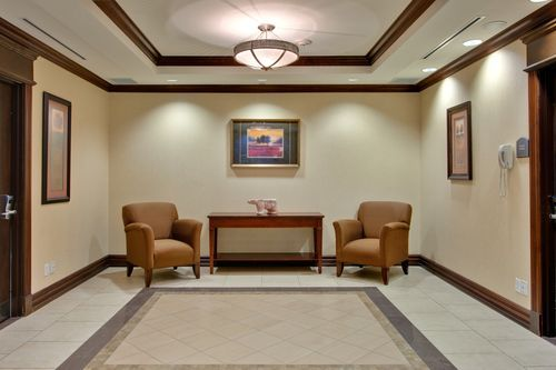 Holiday Inn Express & Suites Huntsville - Elevator Lobby