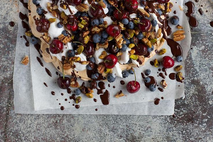 jessica cox | cherry & blueberry meringue smash w coconut cream + nut praline #dairyfree #glutenfree