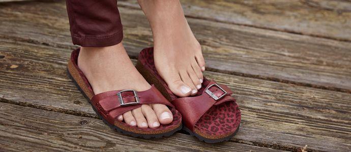 Schuhe von BIRKENSTOCK, Footprints, Birkis, TATAMI, Papillio, ALPRO, OCKENFELS, Betula, Jolly   Bequeme Hausschuhe, Sandalen, Slipper, Clogs, Badeschuhe, Trekkingsandalen, Sneakers, Businessschuhe, Bootsschuhe, Stiefel, High Heels uvm.
