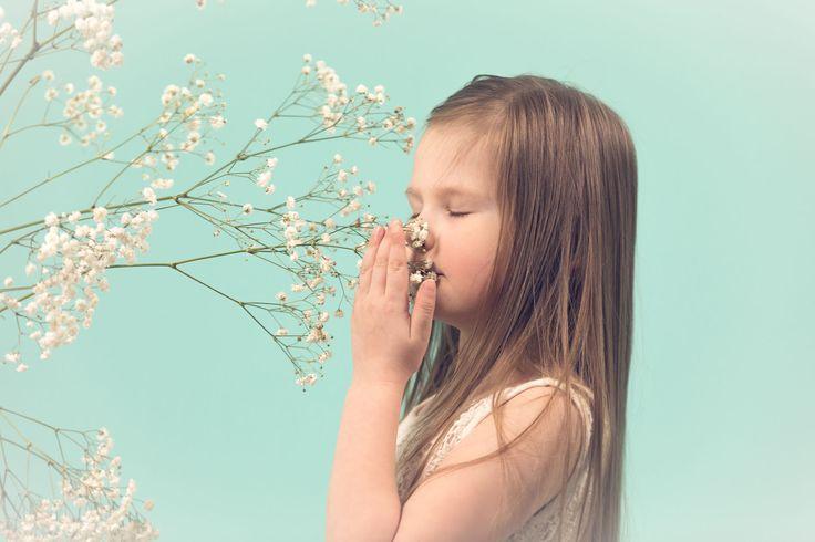Pienen tytöt studiokuvaus - Little girl studio photoshoot.