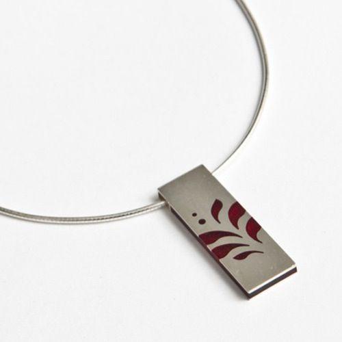 Anyaga: Ezüst Műgyanta  Művész: Abaffy Klára