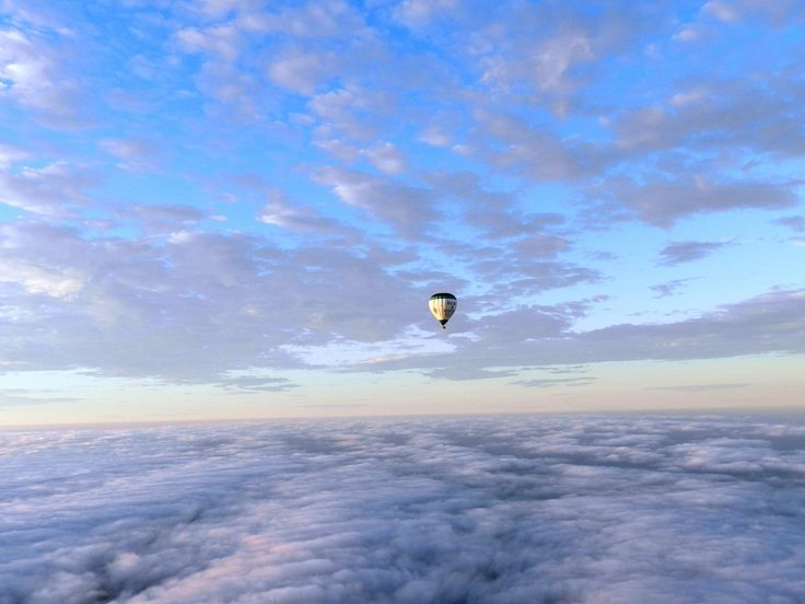 Ever notice the intricate cloud detailing - stunning!   #goglobal #globalballooning #melbourne #yarravalley #seeaustralia #visitvictoria #ballooning #balloonflights #ballooning #bucketlist #proposal #victoria #australia #gift #present #romantic #romance #views #wedding #serenity #sunrise #travelling #weather #sky