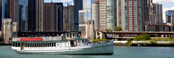"""This is a """"must do"""" for visitors to Chicago! so much fun! (Photo of the Chicago Architecture Foundation River Cruise aboard Chicago's First Lady.)"""
