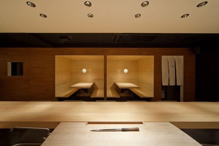 Современный ресторан Sushi Azuma от студии Stile в Осаке