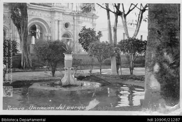 PEDRO RIASCOS. Un rincón del parque de Palmira. PALMIRA: Biblioteca Departamental Jorge Garcés Borrero, Palmira 1922.