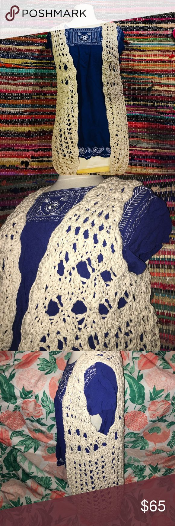 Lucky Brand knitted sleeveless sweater vest Pre-owned Lucky Brand knitted sleeveless sweater vest. In great condition. Beautiful knitted pattern great with a pair of jeans, shorts or skirts. Lucky Brand Sweaters Cardigans