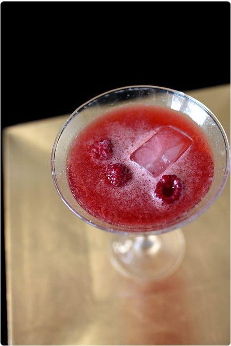 Cocktail pétillant au jus de grenade