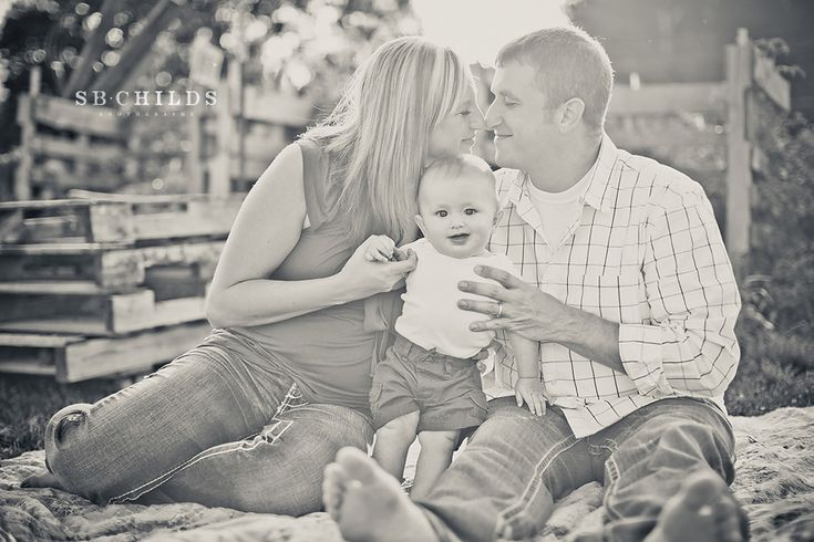 cute posing in this session (6 month old) gonna use these tips for my next photo shoot:)