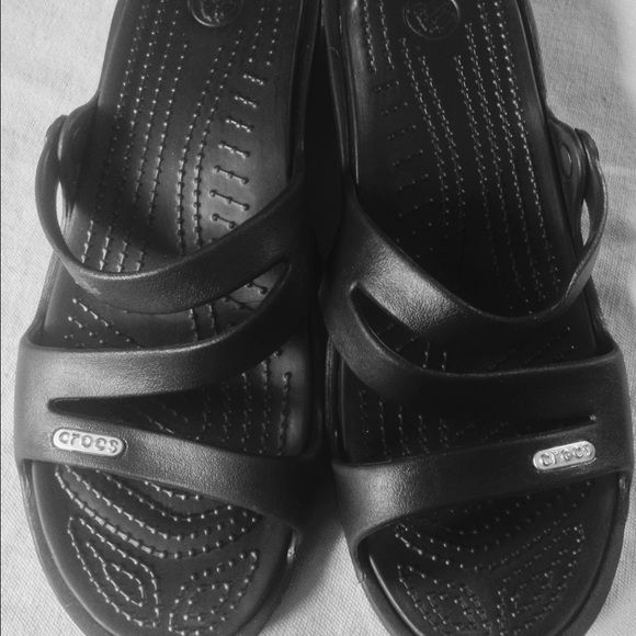 Black Crocs Meleen sandals, women's W8 Black Meleen Crocs, great condition, only worn once.->These shoes are SO COMFORTABLE -I wear them all summer long . I have 3 colors and don't need these ! Crocs Shoes