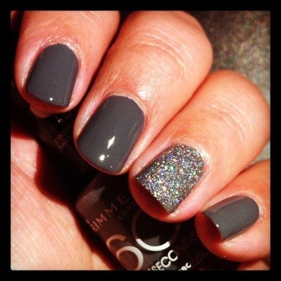 Dark+Grey+Nails+with+Silver+Glitter