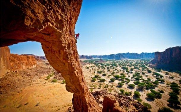 rock-climber-desert-redrocks