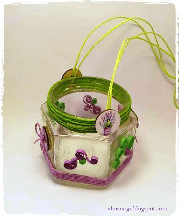 Lanterns decorated with quilling creations  #handmadeeasterlanterns #easterlanterns #quillinglanternts #almanogr #glasslanterns