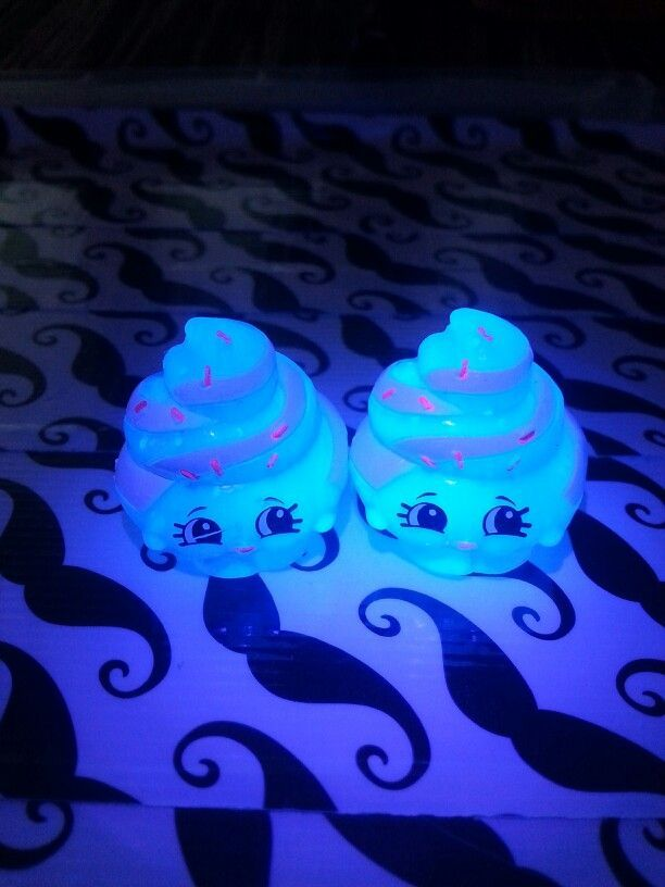 Glow in the dark Shopkins: The Mystery Edition