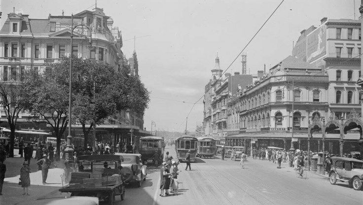 Swanston St,Melbourne,Victoria looking south in 1920.