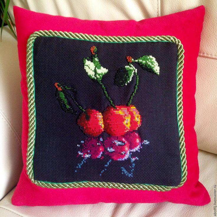 Купить Вышивка крестиком Подушка вышитая Отражение Вишня - вышитая подушка, подушка, подушка с вышивкой