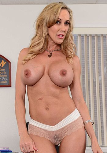 Beauty gf brandi love gets nailed 10