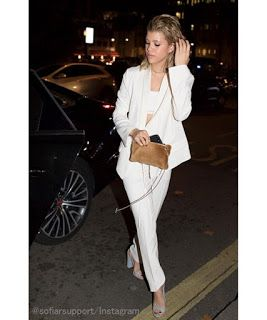 Celebrity Style | 海外セレブ最新ファッション情報 : 【ソフィア・リッチー】さわやかシック!オールホワイトのパンツスーツスタイルでパーティーへ!