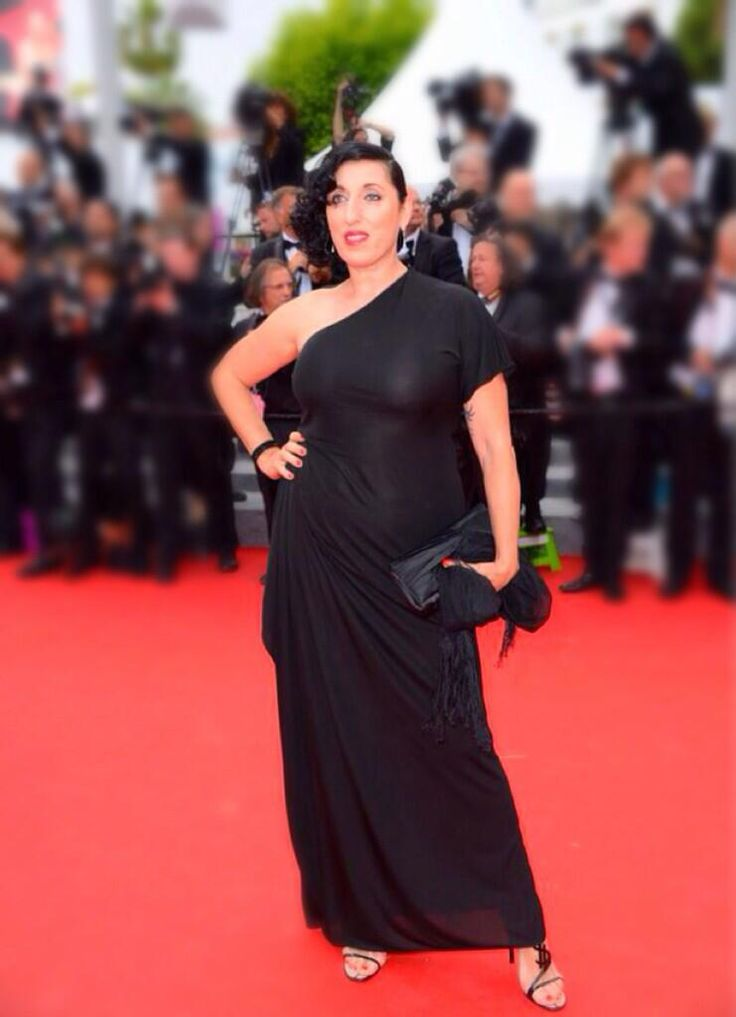@RossydPalma divina @FdC_officiel ! En robe @Jean Paul Gaultier w/@Christian Louboutin, talons @Yves Saint Laurent & maquillée @Dior #Cannes2014