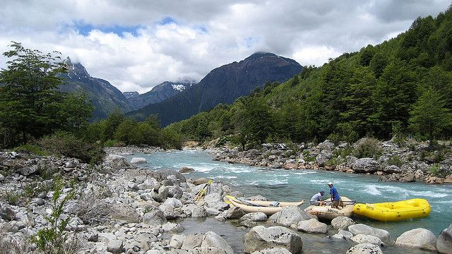 Preparing to run the Azul river with H20 Patagonia by Kkizzle | from Flickr Photo Sharing http://www.flickr.com/photos/kkizzle/2166991410/in/photostream/