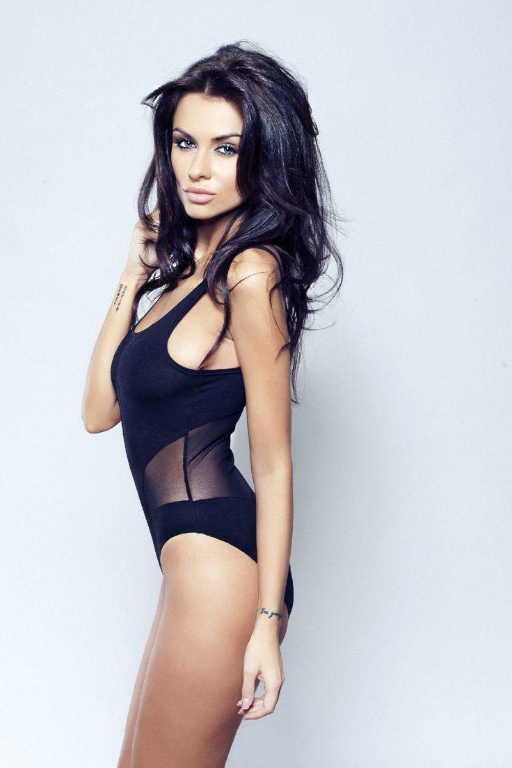 sexy body brunette