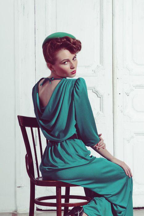 Modern fashion gone vintage.: Models, Gorgeous Colors, Faces, Modern Fashion, Stylists, Modern Vintage, Retro Style, Emeralds Dresses, Ulyana Sergeenko
